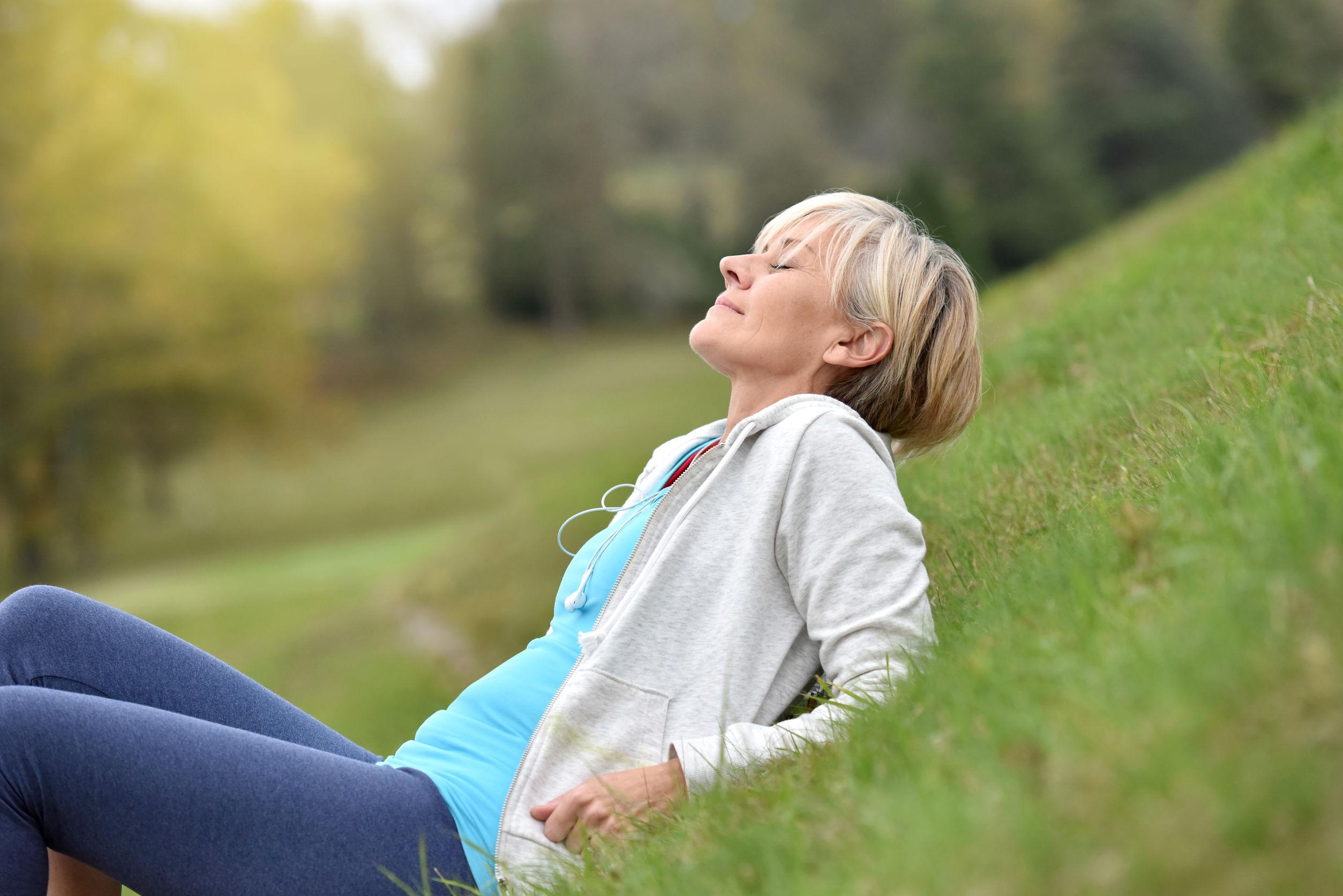 5-prirodnih-rješenja-za-urinarnu-inkontinenciju-u-menopauzi